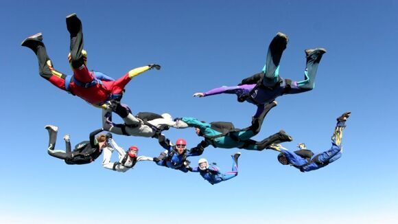 1280_Sport_Skydivers_wallpaper